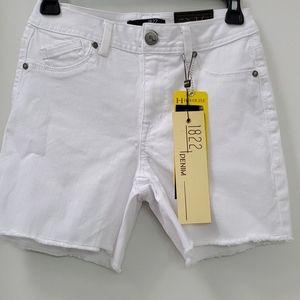 1822 White Denim Highrise Raw Hem Shorts